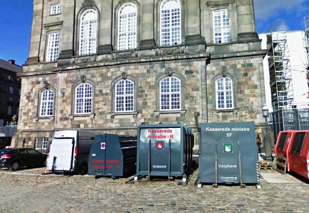 De foreløbigt 14 kasserede ministre i den nuværende regering optager tre dyre P-pladser bag ved Christiansborg.